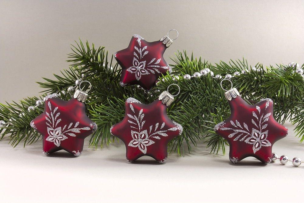 4 Sterne - dunkelrot matt mit Blumenranke