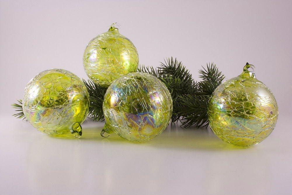 4 Glaskugeln 10cm grün gelüstert