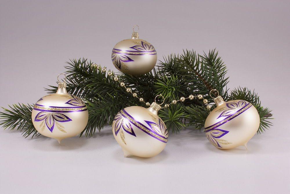 4 Zwiebeln Champagner matt halbe Blume violett
