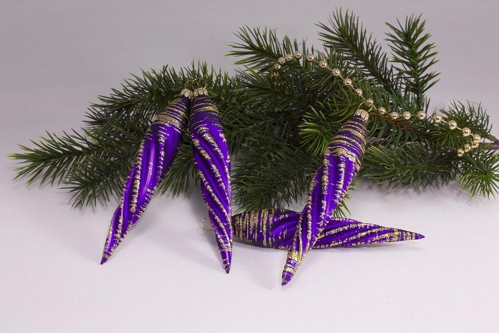 4 Eiszapfen ca. 13 x 2cm Violett matt gold geringelt